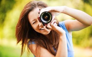 Как правильно держать фотоаппарат?